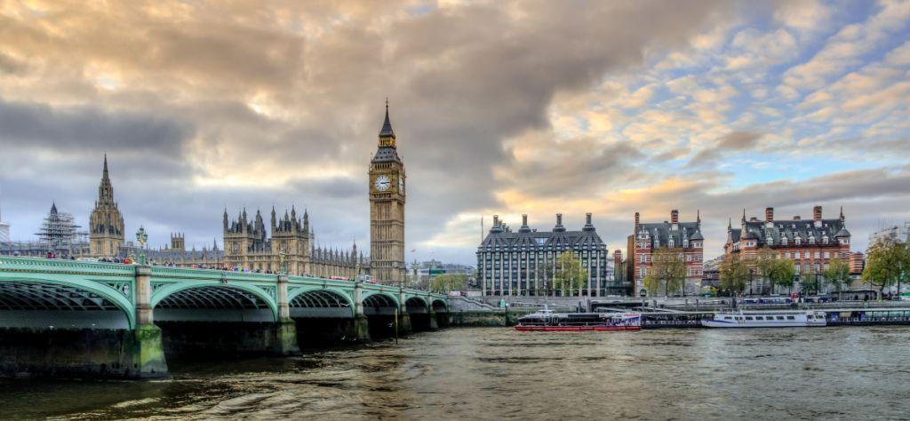 levný převod peněz z anglie (UK) do čr
